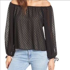 WILDFOX Black Off the Shoulder Blouse Size Small